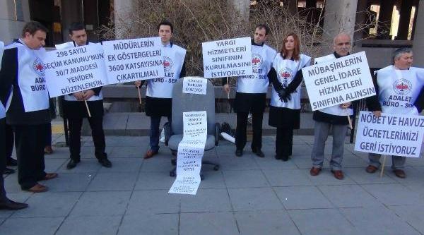 Ankara Adliyesi Önünde Koltuk Yaktilar
