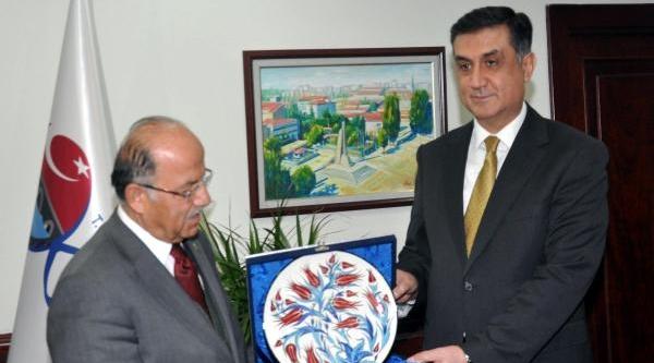 Ankara Emniyet Müdürü Olan Kadri Kartal'dan, Kirikkale Valisi'ne Veda Ziyareti