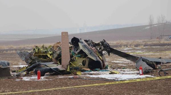 Ankara'Da Askeri Helikopter Düştü (4)