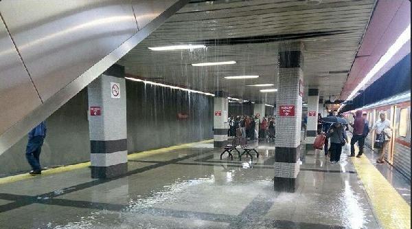 Ankara'da Gök Gürültülü Sağanak Yağış Etkili Oldu (1)