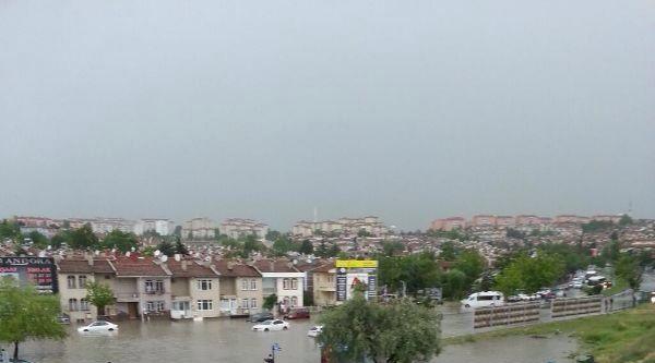 Ankara'da Gök Gürültülü Sağanak Yağış Etkili Oldu / Ek Fotoğraflar