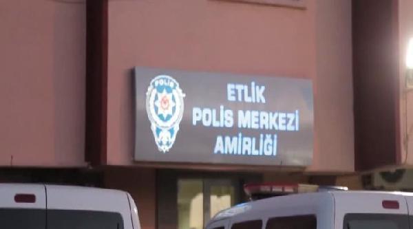 Ankara'da 'korsan Afiş' Astıkları İddia Edilen 2 Kişi Yakalandı