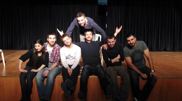 Ankara'da Sahnelenecek 'why Uşak Why' Oyununa Yoğun Ilgi