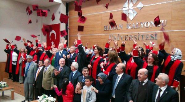 'anne Üniversitesi' İlk Mezunlarını Verdi