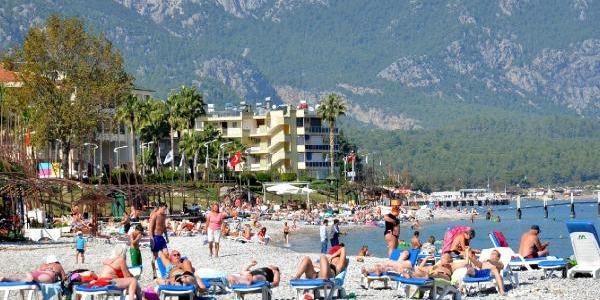 Antalya Sahillerinde Yaz Bitmiyor