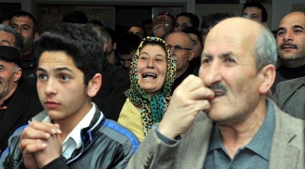 Antalya'da Ak Parti'de Sevinç