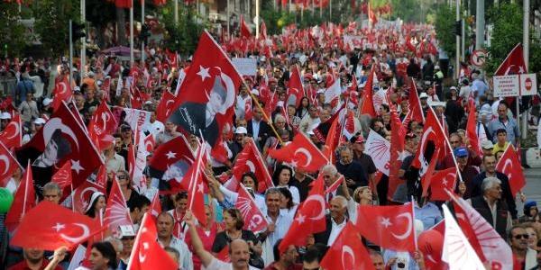 Antalya'da Coşkulu Cumhuriyet Kutlamasi (3)