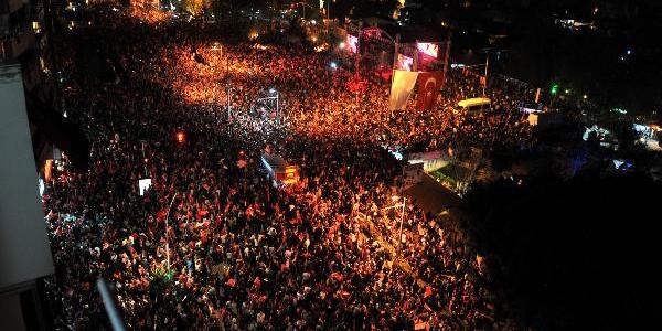 Antalya'da Coşkulu Cumhuriyet Kutlamasi (5)
