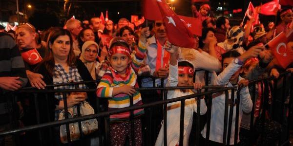 Antalya'da Coşkulu Cumhuriyet Kutlamasi (Ek Fotoğraflar)