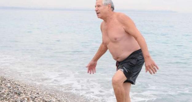 Antalya'da denize girdiler