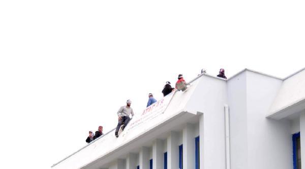 Antalya'da Fabrika İşgal Eden İşçiler Gözaltına Alındı