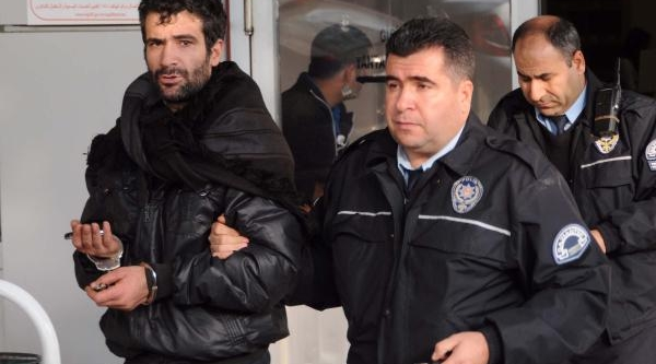 Antalya'da Hirsizlik Yapti, Gaziantep'te Yakalandi