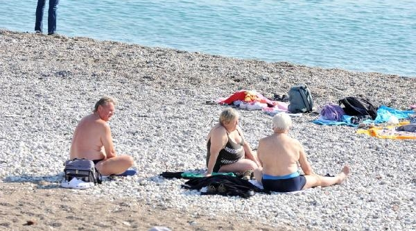 Antalya'da Kasimda Deniz Keyfi