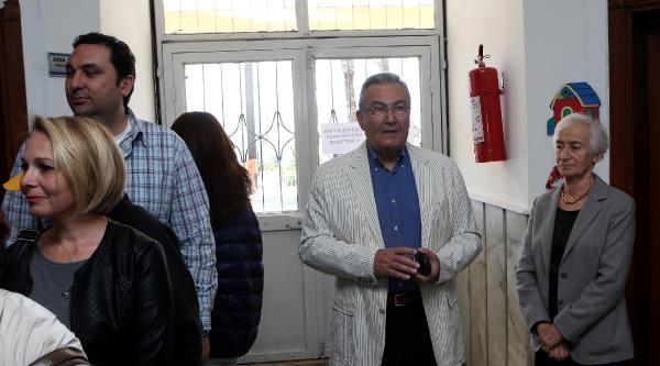 Antalya'da Oy Kullanan Baykal: Bunun Kıymetini Bilmek Lazım