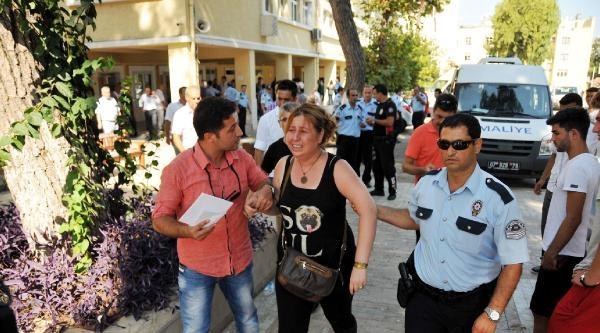 Antalya'da Parti Gözlemcileri Arasında Arbede