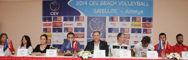 Antalya'da Plaj Voleybolu Heyecanı