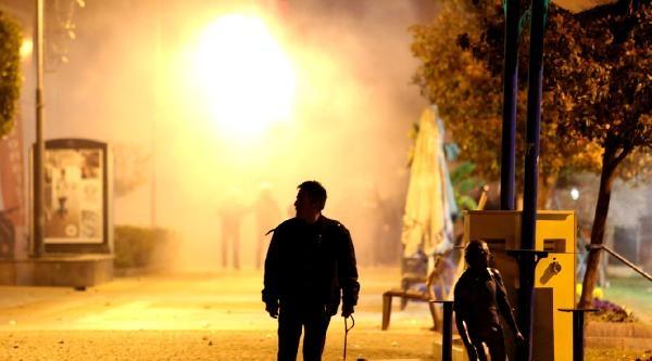 Antalya'da Taş Atan Eylemcilere Biber Gazlı Müdahale