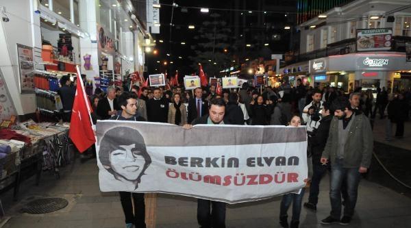 Antalya'da Taş Atan Eylemcilere Biber Gazlı Müdahale (ek Fotoğraf)