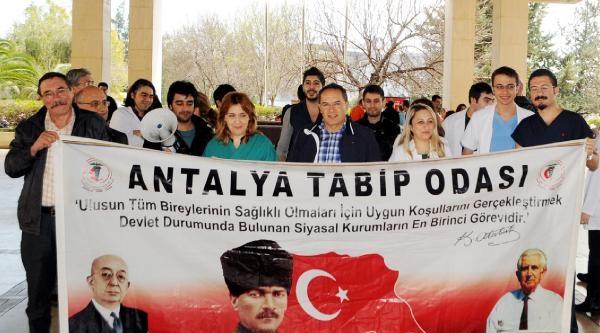 Antalyalı Asistan Hekimlerden İzmir'e Destek