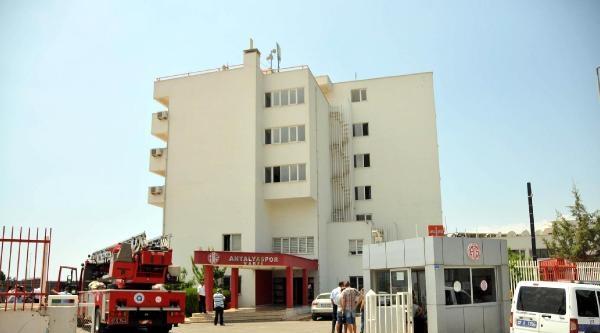 Antalyaspor Tesisleri'nde Yangın Paniği (2) - Yeniden