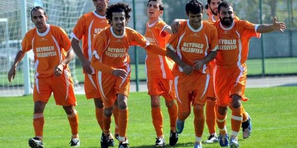 Antalya'ya Istanbul Işitme Engelliler'den Fark: 0-8