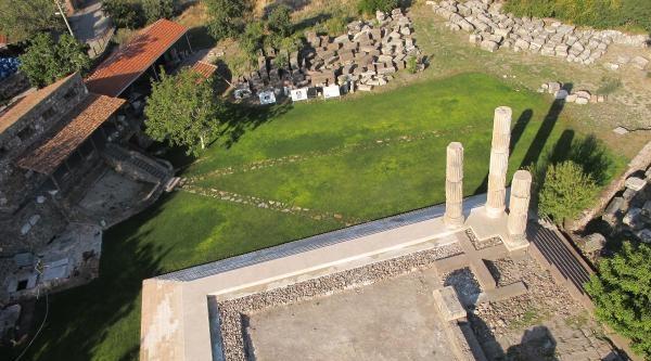 Apollon Smintheus Kazı Başkanı Prof.dr. Özgünel: 'ön Cephesine Derinlik Kazandırıyoruz'