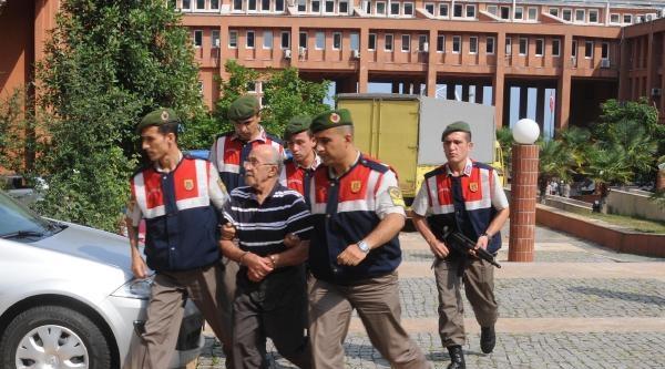 Arazi Yüzünden 2 Kız Kardeşini Öldürdü, Tutuklandı