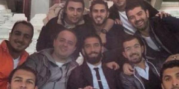 Arda Turan, Galatasaray'i Tribünden Destekledi