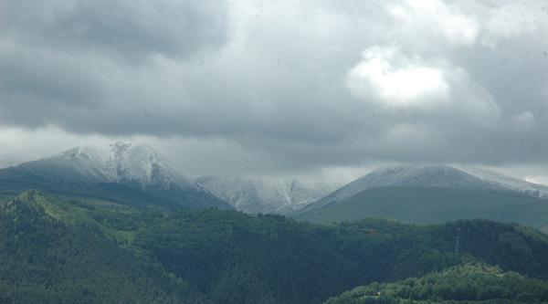 Ardahan'a Haziran Ayının Ortasında Kar Yağdı