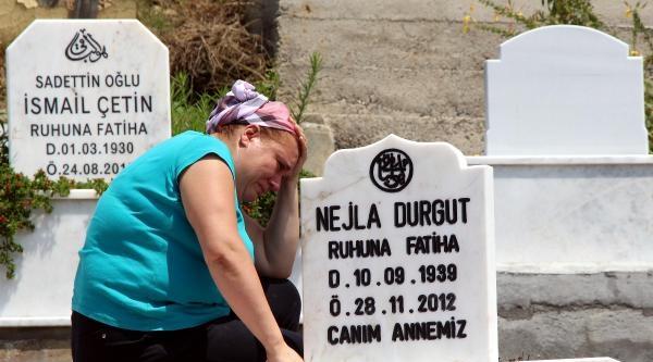 Arefe Gününde Mezarlıklar Doldu