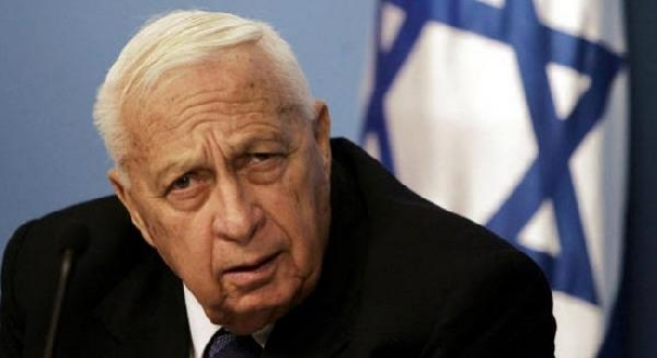 Ariel Şaron Hayatini Kaybetti
