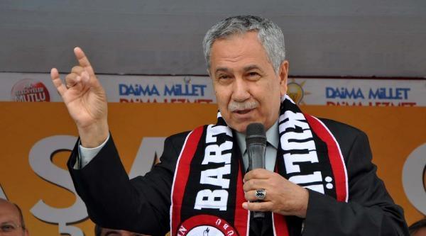 Arınç Da Kılıçdaroğlu'nu Eleştirmek İçin Bozkurt İşareti Yaptı