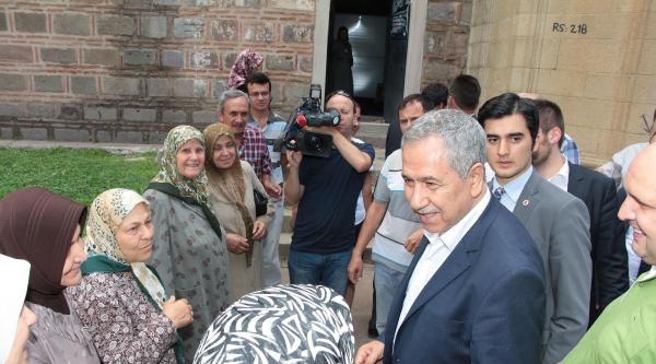 Arınç'tan, İsrail'in Gazze Saldırısına 'soykırım' Nitelemesi
