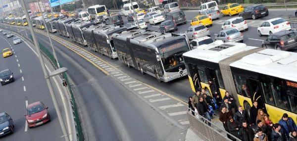 Arızalanan Metrobüs Yoğunluğa Neden Oldu