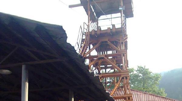 Arkadaşları İşten Çikartilan Madenciler Ocağa İnmedi
