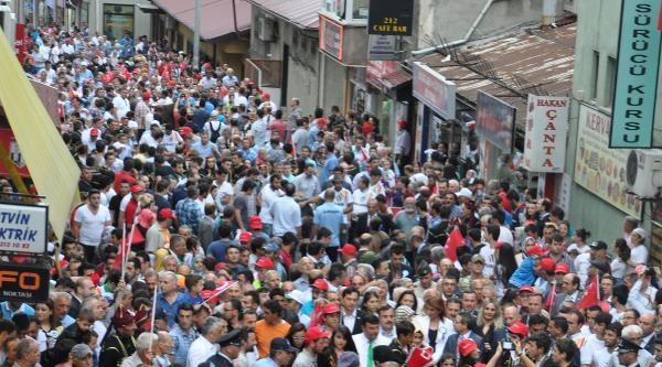 Artvin'de Boğaların Katılımı İle Kortej Yürüyüşü
