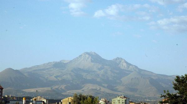 Aşırı Sıcak, Erciyes'teki Karları Eritti