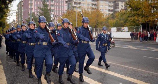 Asker Diyarbakır'da O sloganla yürüdü!