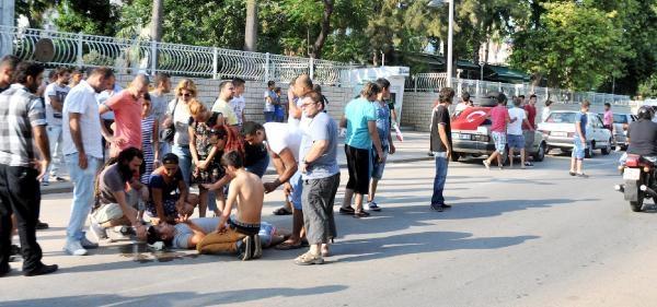 Asker Uğurlamada Otomobilden Düşüp Yaralandı