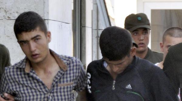Askerden Firar Eden Şüpheliler Girdikleri Evde Yakalandı
