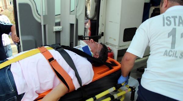Ataşehir'deki Kazada Satış Müdürü Yaralandı