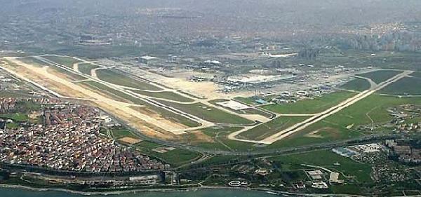 Atatürk Havalimanı'nda 13 Mayıs Sıkıntısı
