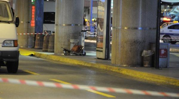 Atatürk Havalimani'nda Bomba Paniği