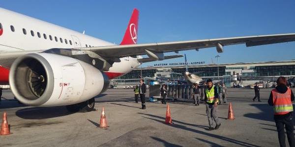 Atatürk Havalimani'Nda Korkutan Kaza