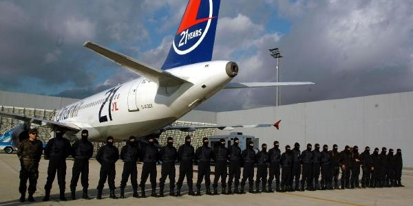 Atatürk Havalimani'nda Uçak Kaçirma Tatbikati