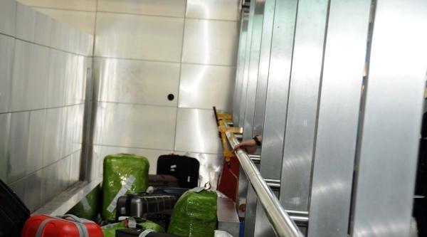 Atatürk Havalimanı'nda Yaz Saati Kaosu