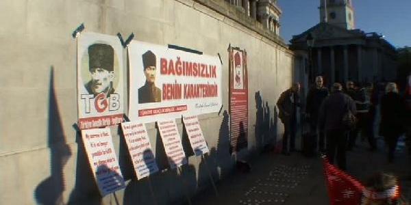 Atatürk Londra Trafalgar Meydani'Nda Anildi