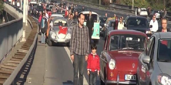Atatürk, Ölümünün 75. Yilinda Boğaziçi Köprüsü'nde Anildi (1)