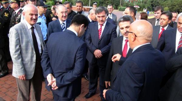 Atatürk'ü Eleştiren Makale Paylaşan Müdüre Tepki