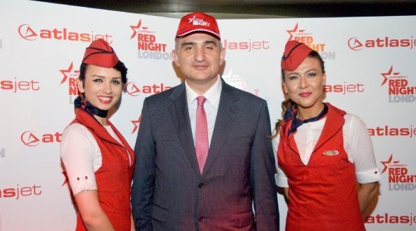 Atlasjet'ten 'uçan Aşçılı' Londra Uçuşu